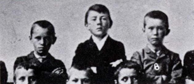young-hitler.jpg