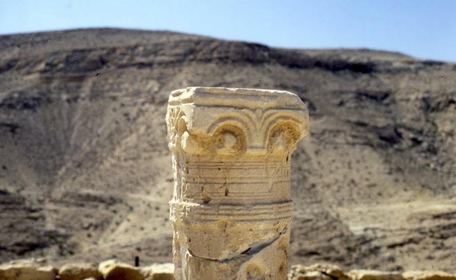 Ruins_in_Negev_desert_Israel
