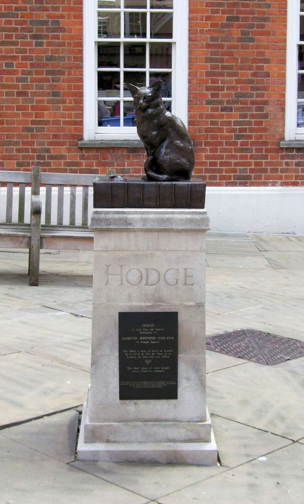 The Hodge statue outside Johnson's house. Credit: Wikimedia Commons (CC BY 2.0).