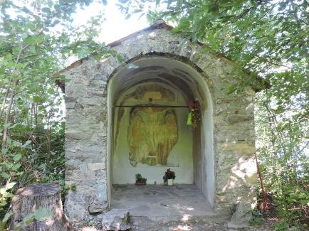 Wayside shrine on the Sentiero del Viandante (between Perledo and Bellano)
